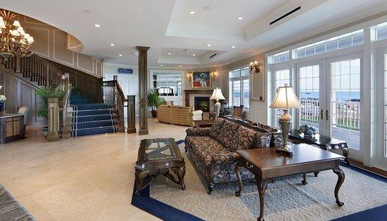 Madison Beach Hotel, Curio Collection by Hilton: Hotel Lobby