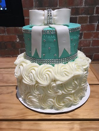 custom cake unicorn picture of sunrise bakery grinnell