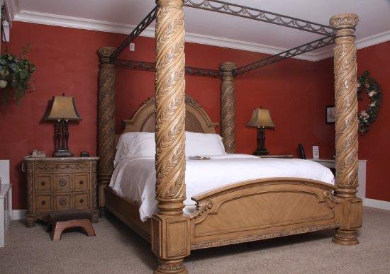 La Plata, MO: Victorian Suite