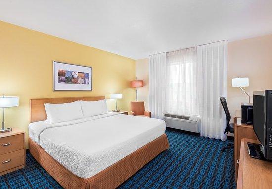Springdale, AR: King Guest Room