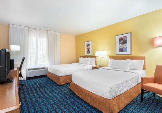 Springdale, AR: Queen/Queen Guest Room