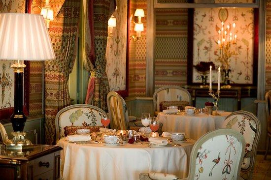 royal champagne salon area photo de royal champagne hotel spa champillon tripadvisor. Black Bedroom Furniture Sets. Home Design Ideas