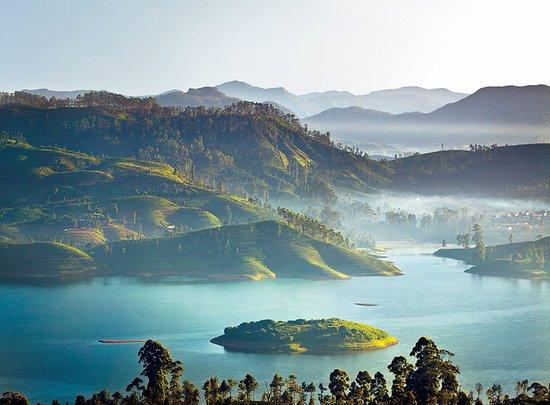 Ceylon Tea Trails - Relais & Chateaux: Castlereagh Lake Mountains At Dawn