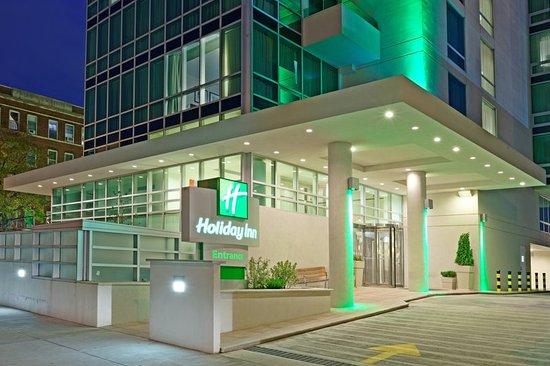 Holiday Inn L.I. City - Manhattan View: Hotel Exterior