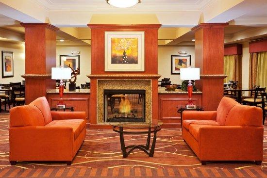 Chehalis/Centralia Holiday Hotel Lobby