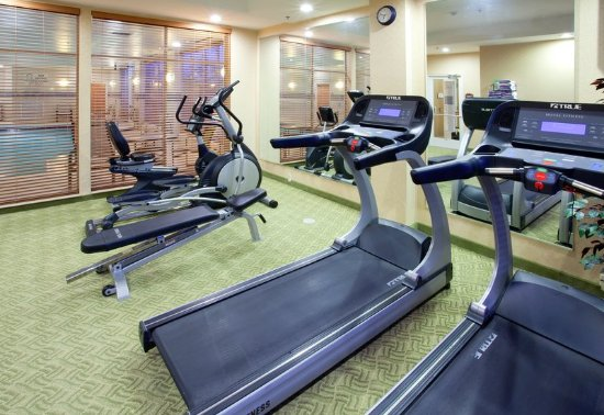 Colonial Heights, VA: Modern Facility with Cardio and Free Weights