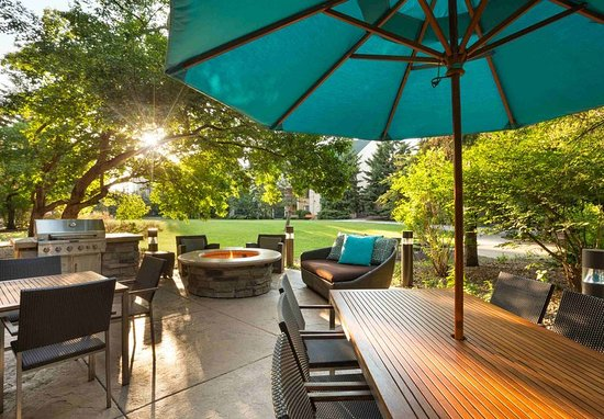 Edina, MN: Outdoor Patio