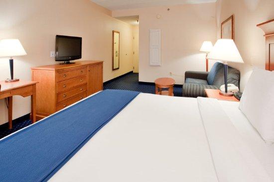 Waynesboro, VA: Single Bed Guest Room