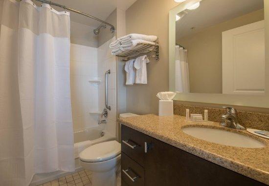 Orem, UT: Studio King Suite - Bathroom
