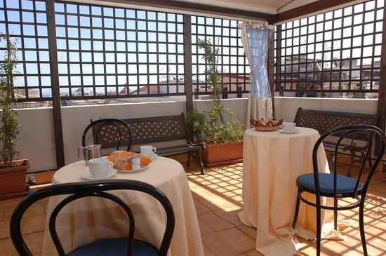 La Residenza Hotel: Terrace