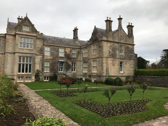 Muckross House, Gardens & Traditional Farms: photo1.jpg