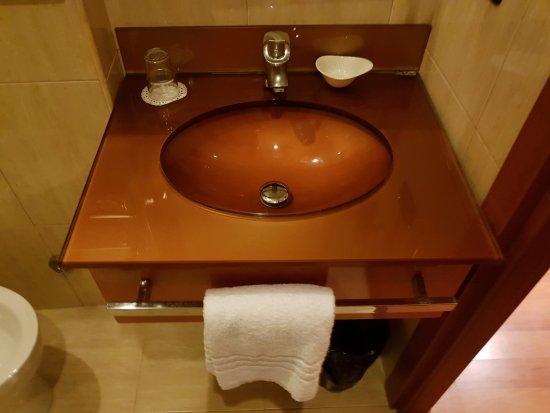 โรงแรมอิมพีโร: Bagno camera singola