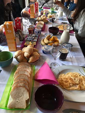 Korenica, Croatia: 只能說這頓早餐實在是太豐盛啦!超級推薦