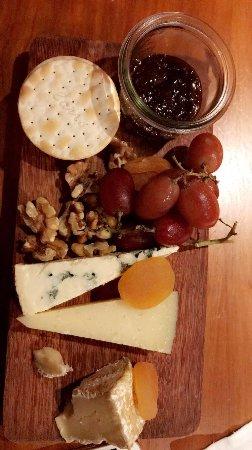 Mezza9 : Cheese and Crackers: Dessert