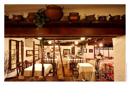 Tegueste, Spanien: Interior restaurante. Comedor Atalaya - Cañadas