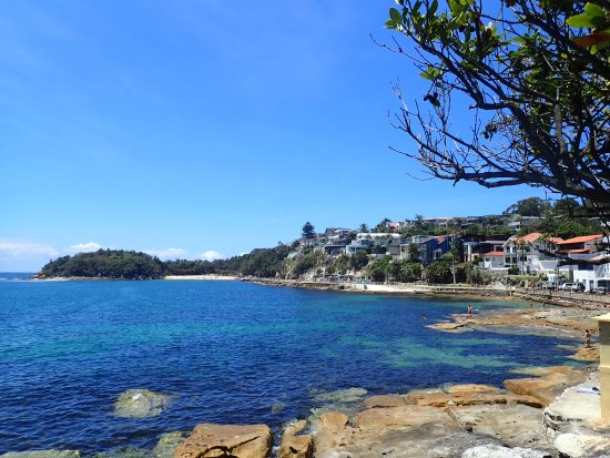 Manly, Australia: The beach side walk