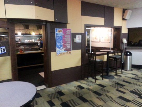 Morton Grove, IL: interior door and counter for Boba Burger at the front of Classic Bowl