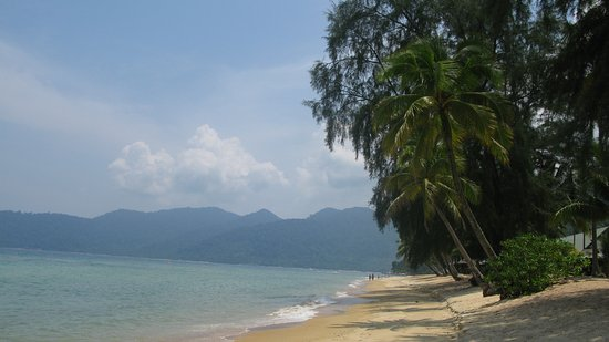 Berjaya Tioman Resort - Malaysia: pool & beach area