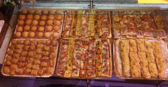 Buffet Di Dolci Per Compleanno : Ricette con pan di spagna ricettedalmondo