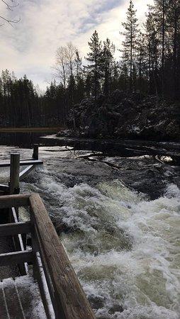Kuusamo, Finlandia: waterfall