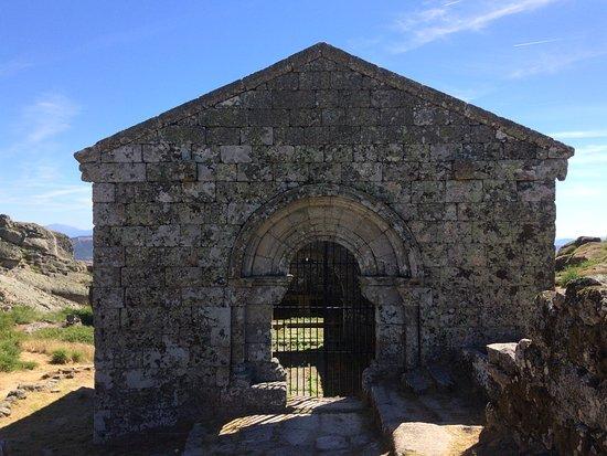 Monsanto, Portugal: igreja