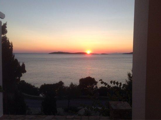 Aneroussa Beach Hotel: photo1.jpg