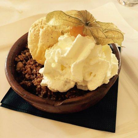Lattes, Francia: Dessert : Crumble de ouf !