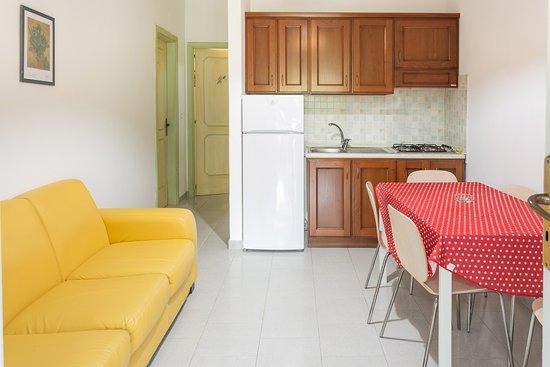 Cucina/Soggiorno Trilo Relax - Foto di Baia Marticana Residence ...