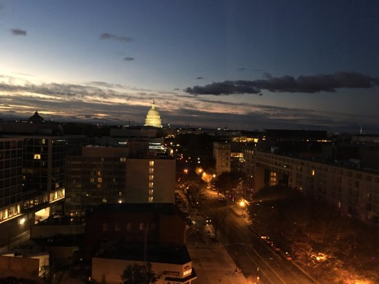 Washington Court Hotel on Capitol Hill: The view from our room was wonderful.