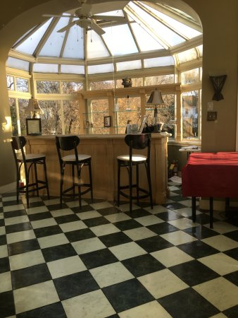 Perth Manor Boutique Hotel: Cheery Solarium