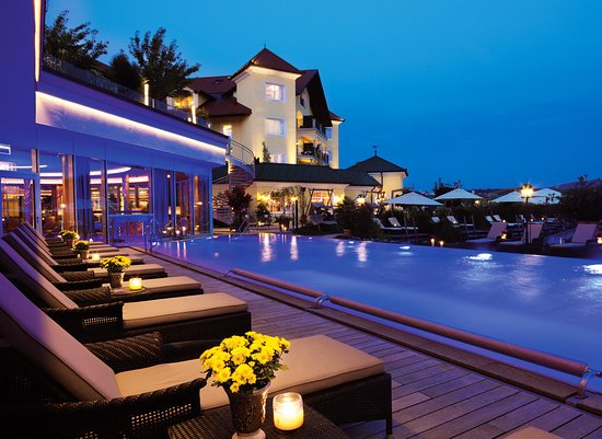 Hotel Jagdhof mit Infinity-Sport-Pool (291035235)