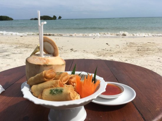Muang Samui Spa Resort: Appetizer on the beach!