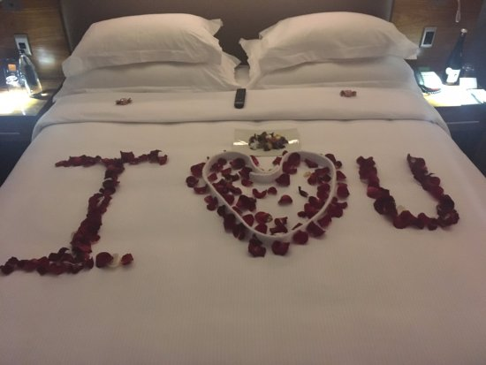 DoubleTree by Hilton Cape Town - Upper Eastside: Surprise for my wife - thanks GG