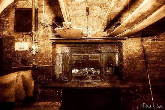 Menton, Francia: oven 1906