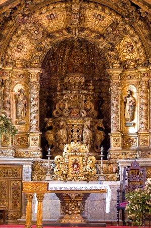 Felgueiras, Portugal: Igreja de São Vicente de Sousa   Retábulo da Capela Mor