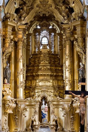 Felgueiras, Portugal:  Mosteiro de Santa Maria de Pombeiro   Retábulo central