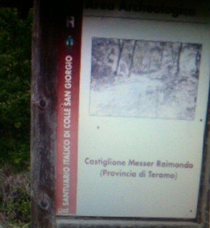 Castiglione Messer Raimondo, อิตาลี: Inizio del percorso che adduce al Colle ......