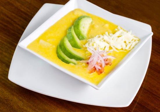 Locro de papas cremosa sopa de papa super chola papa for Achiote ecuador cuisine