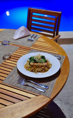 LP Los Portales Hotel Piura: Amazing food at the restaurant by the pool