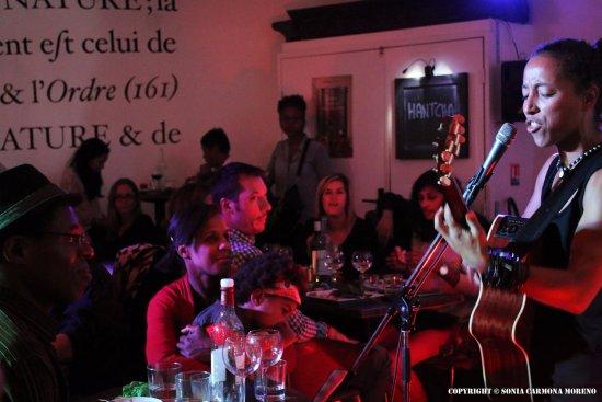 Le Caillou Du Jardin Botanique: Music [at] Caillou   Hantcha
