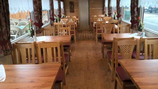 Stainz, Austria: Der Innenraum im Speisewagen