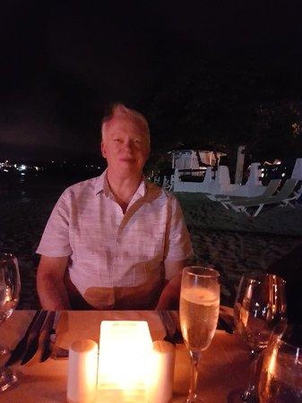 Sandals Halcyon Beach Resort: 20171114_223728_large.jpg