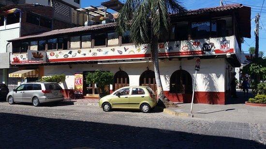 El Torito Sports Bar & BBQ House: photo0.jpg