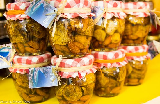 Mimice, Croatia: Local honey with figs and nuts
