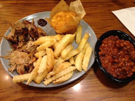 Somerset, KY: Pulled pork, fries, cornbread, beans