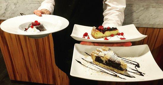 """Capannoli, Italien: Tortino al cioccolato """"Amedei"""" dal cuore caldo - Torta co'bischeri - Chhesecake ai frutti di bos"""