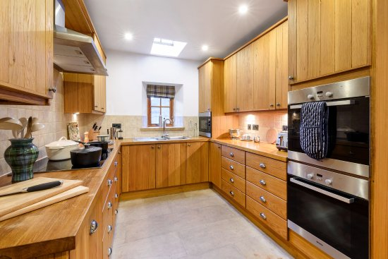 Ardgay, UK: Fully equipped kitchen in cottage Eagle's Crag