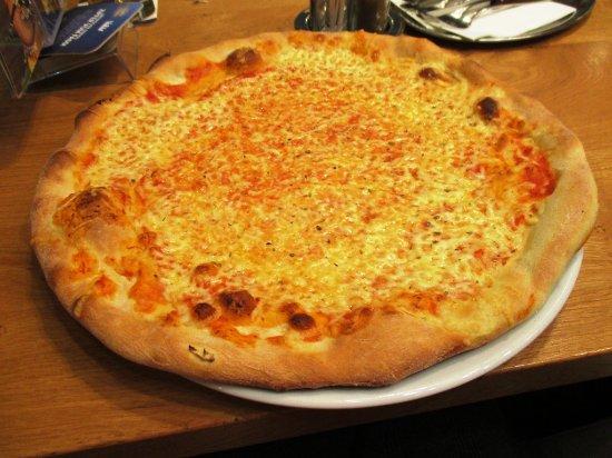 Bad Leonfelden, Austria: simple pizza!