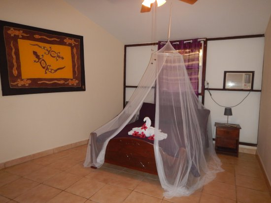 Popa Paradise Beach Resort: My garden lodge room