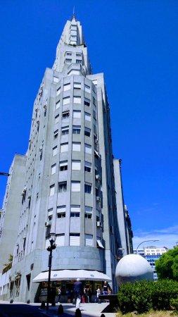Edificio Kavanagh: Frente